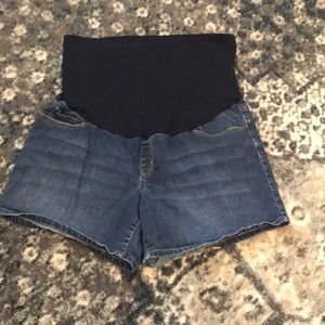 Liz Lange maternity denim shorts XL